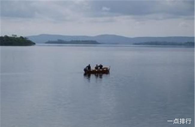 细数爱尔兰最美的10大湖泊 科罗尔湖实在太美了