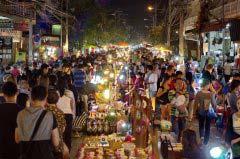 到泰国清迈门市场不愁吃不到美食
