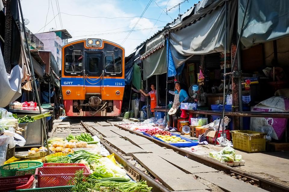 泰国购物最有特色的传统市场