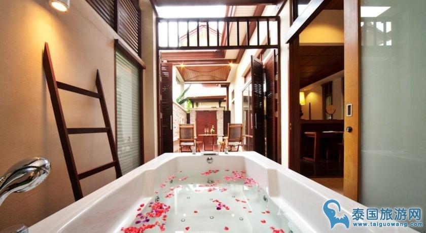 苏梅岛渣文海滩四星级酒店推荐--沙纶酒店