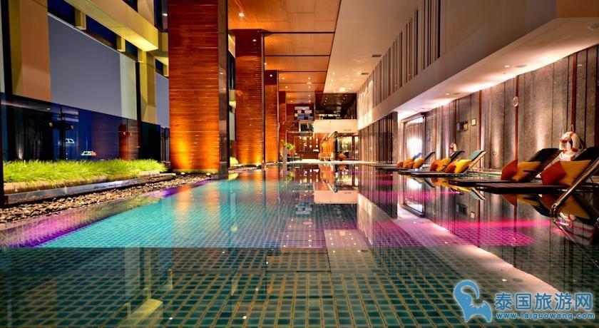 曼谷bts附近购物方便酒店--万丽拉查阿帕森酒店