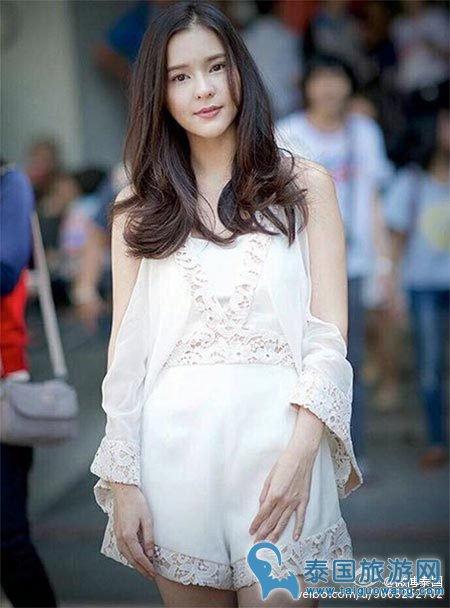 跟着泰国明星学穿衣凹照型