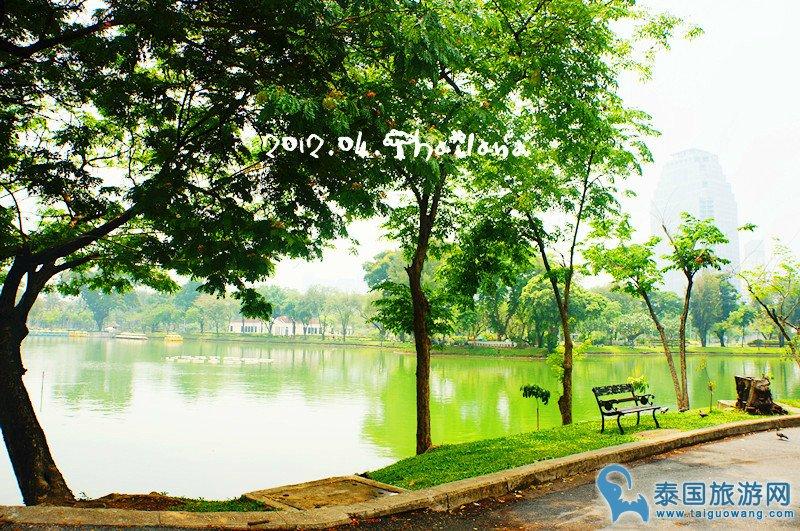 来伦披尼(Lumpini)公园,跟着本地人放松