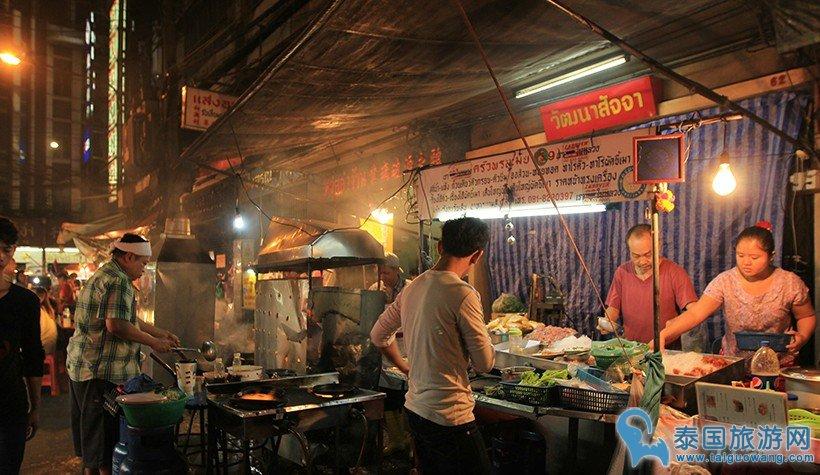 曼谷唐人街20年老牌地道路边摊