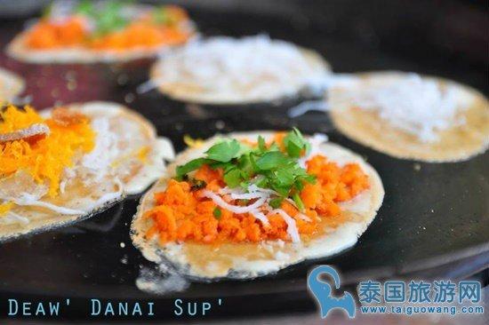 """泰国专做""""蛋黄椰丝煎饼""""的传统地道老店"""