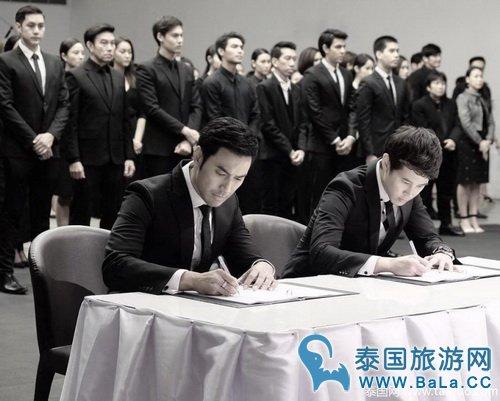 泰国众男星穿黑衣尽显端庄大气气质
