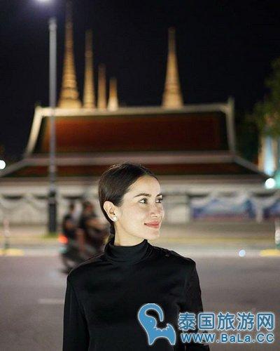 泰国女星Anne IG分享大皇宫泰民对泰国王的爱慕之情