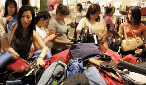 """泰国财政部表示:""""为国消费计划""""延至本月31日共17天"""