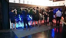 曼谷市内室内镭射激光枪游戏场 追逐射击超有趣