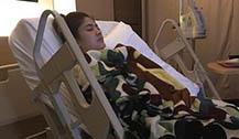 泰星margie rasri照顾生病男友 病房陪夜感动网友