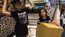 泰星Pete Thongchua带儿女体验生活 摆摊卖二手衣