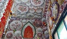 泰国贝壳寺庙 僧人亲手贴装尤为壮观