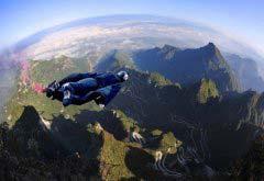 世界十大危险极限运动,翼装飞行最疯狂!