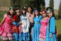 中国人口最少的10个民族 塔塔尔族只有3千多人
