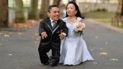 世界上最矮的夫妻,两者身高相加仅1米8