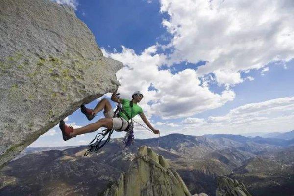 世界十大最危险的运动排名,徒手攀岩雄踞榜首
