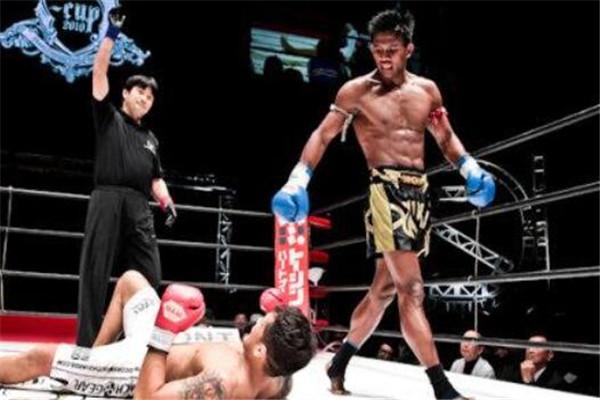 泰国拳击手前十名,耀威猜杀伤力很强,第一拳法惊艳四座