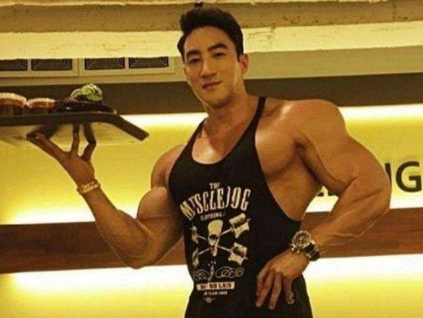 盘点世界十大健美男模,中国吴龙榜上有名