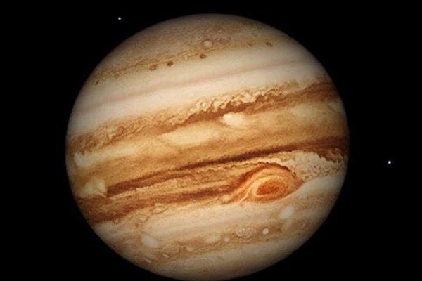 太阳系中最大的行星,木星体积是地球的1321倍