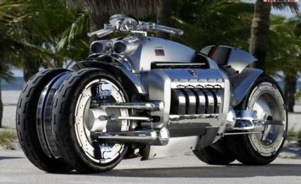 世界上速度最快的摩托车,时速高达640千米