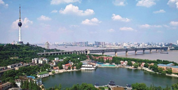 武汉长江大桥,我国首座公铁两用大桥