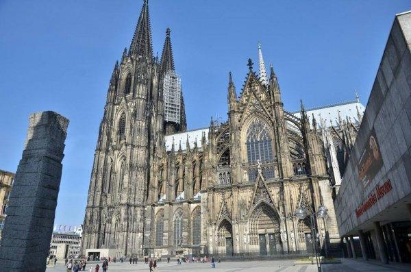 世界十大著名哥特式建筑,科隆大教堂排首位