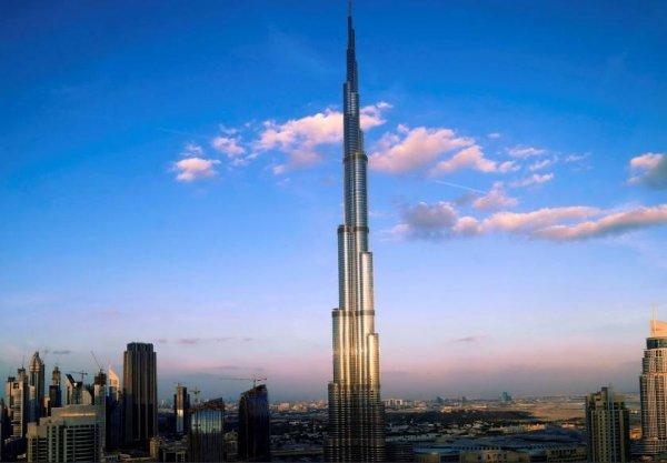 世界上最高的建筑:哈利法塔高828米