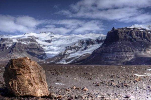 地球上最干燥的地方,南极洲干谷很久没下雨