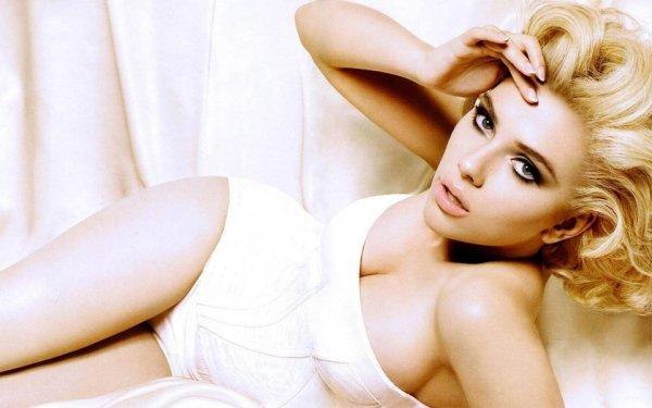 世界上胸部最美的十大女明星,苏菲·霍华德上榜