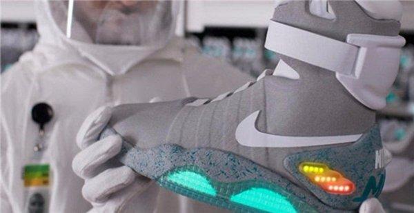 世界上最贵的运动鞋,Nike air mag卖出20万美金