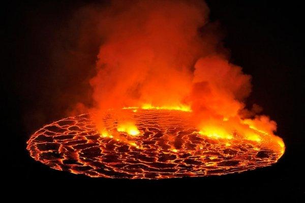 世界上最大的熔岩湖,被称为魔鬼的高炉