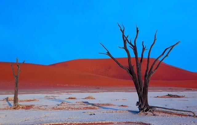 世界上最恐怖的四大沙漠 第一名沙子都是血红色