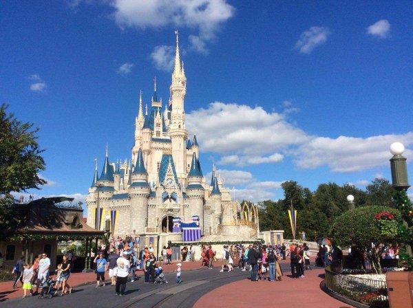 世界最好玩的迪士尼乐园 华特迪士尼人气最旺