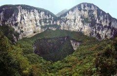 世界上最著名的十大天坑,中国小寨天坑上榜