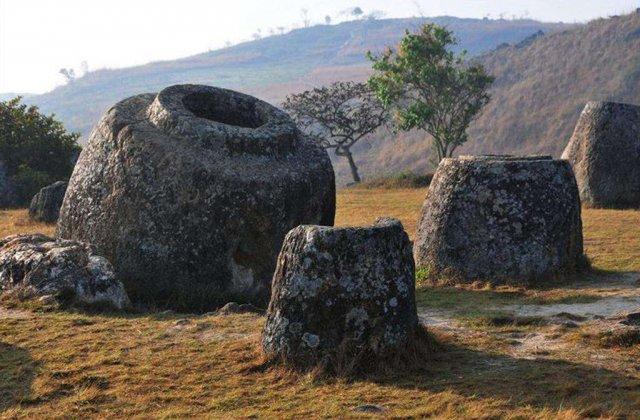 世界四大石器之谜——老挝石缸阵