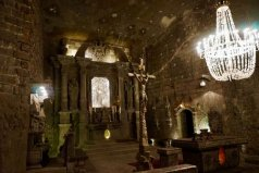 世界十大恐怖教堂,盐矿礼拜堂位于地下
