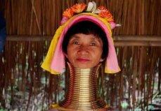 世界上脖子最长的民族,喀伦族颈环重达20公斤