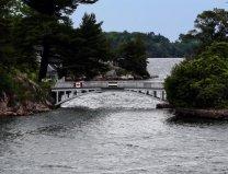世界上最短的跨国大桥,扎韦康桥长度仅9.7米