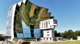 世界上最大的凹面镜,占地面积达2000平方米