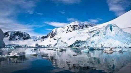 南极洲最大的湖泊,沃斯托克湖长约250公里