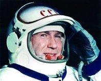 人类太空行走第一人,列昂诺夫出仓12分9秒