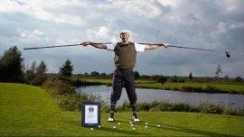 世界上最长的高尔夫球杆,长度达4.37米