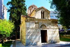 世界上最小的教堂,高10米宽5米深12米