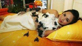 世界上最毒辣的女人:泰国蝎后坎查纳