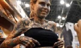 世界上纹身最多的女人,身体95%覆盖纹身