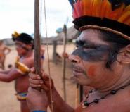 世界上唯一不会说话的民族 克曼加人靠手语交流