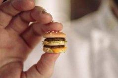 世界上最小的汉堡包,仅仅一个拇指大小
