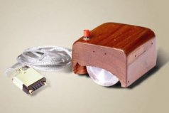 世界上最早的鼠标,道格拉斯发明于1963年