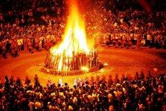 火把节是哪个民族的节日,彝族白族的传统节日