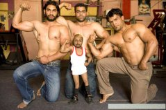 世界上最小的健身教练,印度男子身高仅80厘米